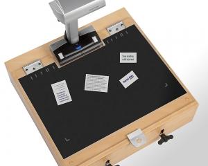 Scantisch kann auch mit Hintergrundauflage (matte Unterlage) genutzt werden